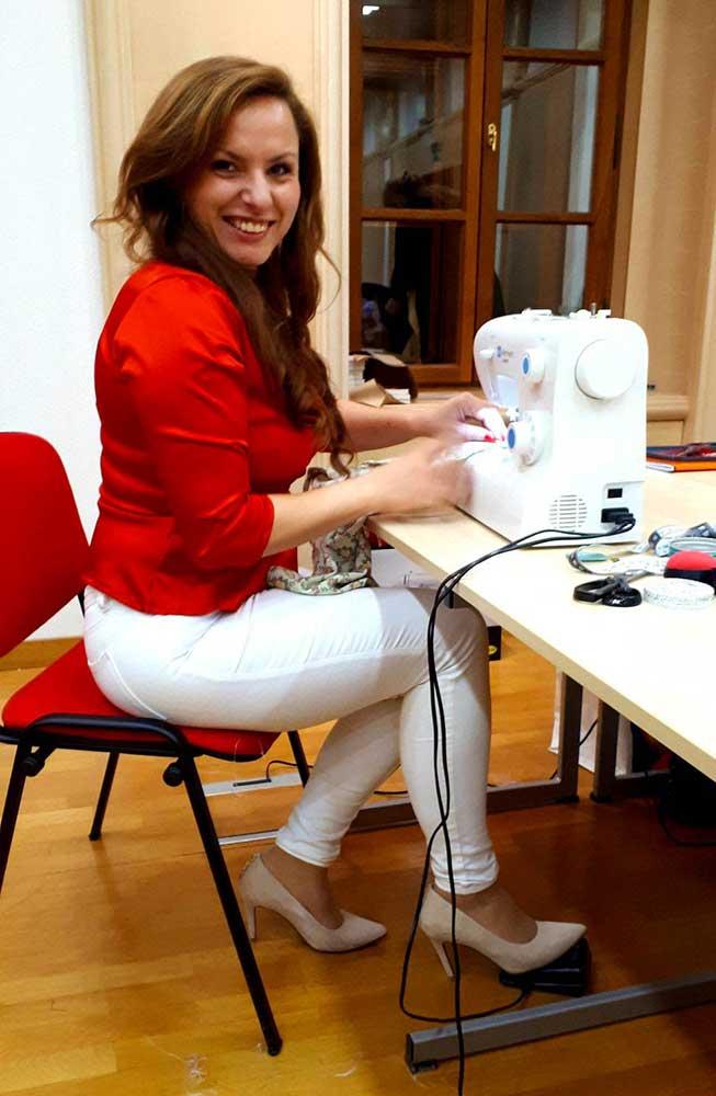 HelenaSirceljArt-Helena-Sircelj-sewing